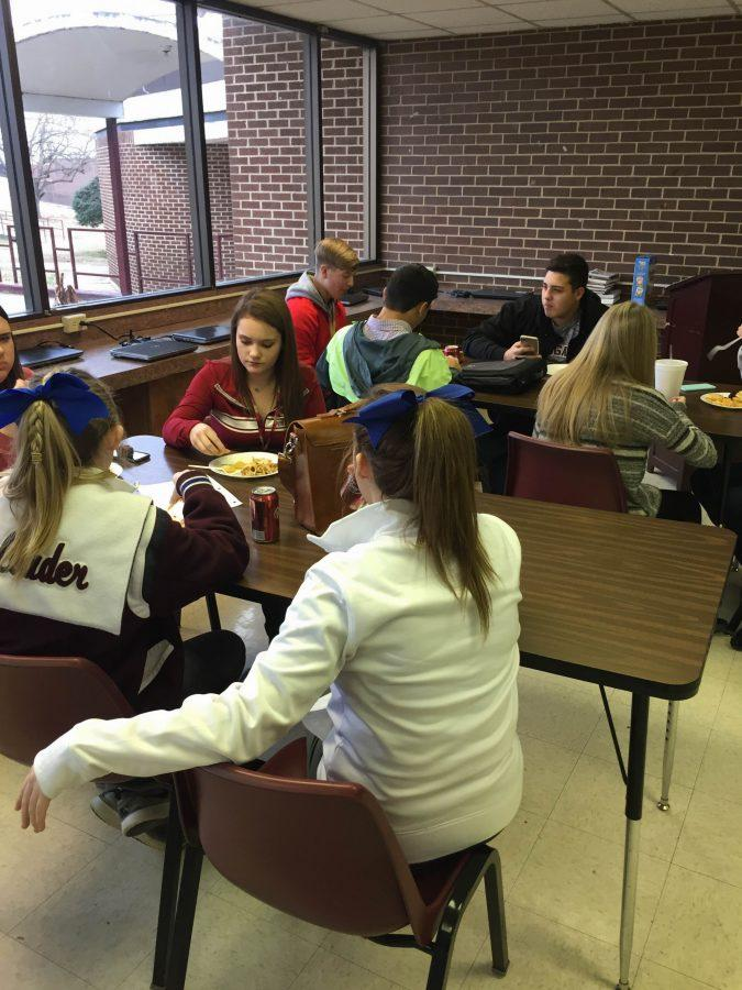 Students eating at F.C.C.L.A lunch
