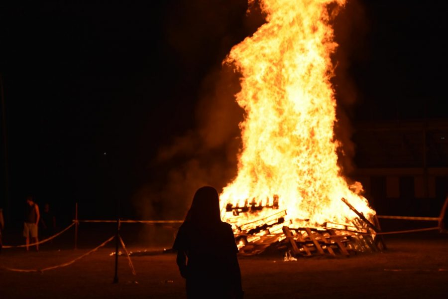 Homecoming bonfire lights the night