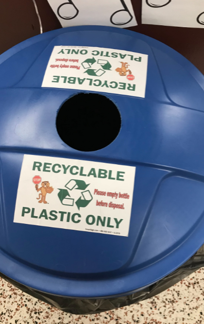 Recycling bucket for plastic products only