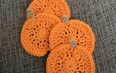 Crochet DIY: Pumpkin Coasters